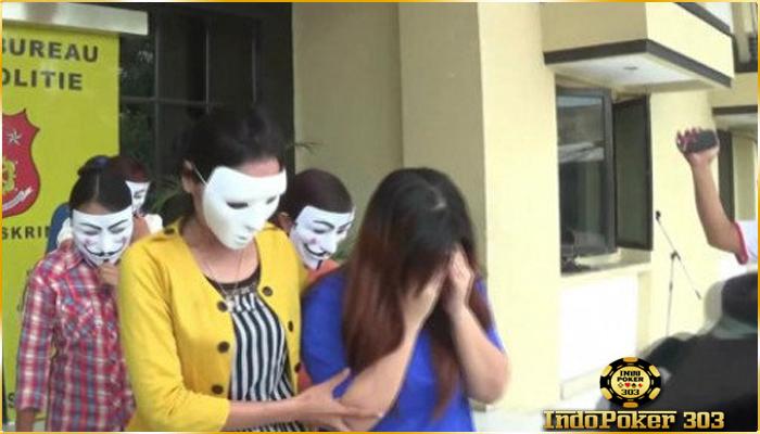 Tiga Penari Dan Dua Karyawan Ditangkap Saat Asik Nari Telanjang - Poker Terpercaya